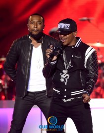 LAS VEGAS, NV - NOVEMBER 06: Recording artists Woody Rock (L) and Sisqo of Dru Hill perform onstage during the 2016 Soul Train Music Awards on November 6, 2016 in Las Vegas, Nevada. (Photo by Kevin Winter/BET/Getty Images for BET)