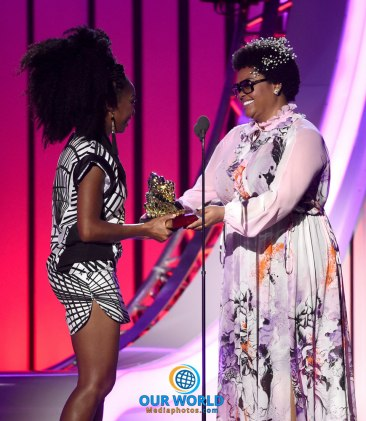 LAS VEGAS, NV - NOVEMBER 06: Honoree Brandy (L) accepts the Lady of Soul Award from singer Jill Scott onstage during the 2016 Soul Train Music Awards at the Orleans Arena on November 6, 2016 in Las Vegas, Nevada. (Photo by Kevin Winter/BET/Getty Images for BET)