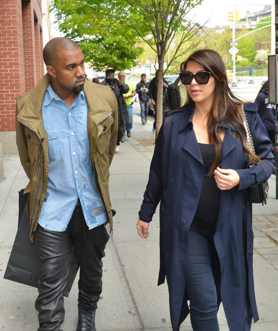 kim_kardashian_and_kanye_west_fight_over_baby_north_pictures